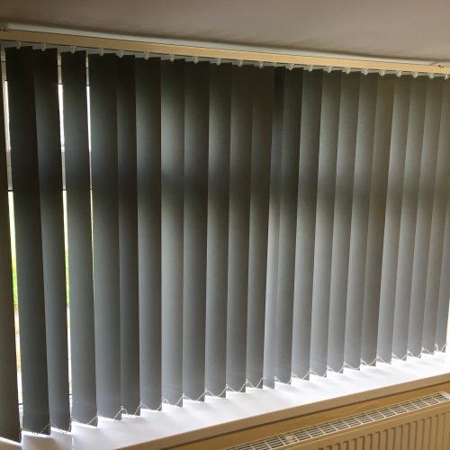 FR Vertical Blind